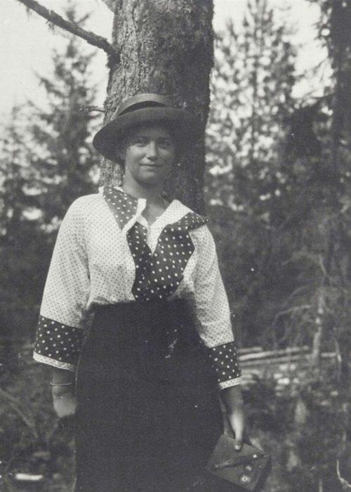 Maria-the-romanovs-13195389-973-1022
